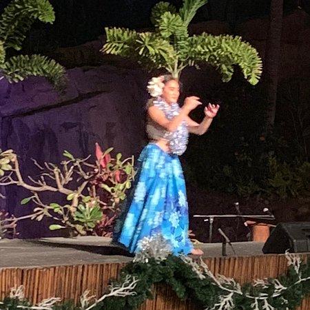 Wailele Polynesian luau. Bella and Bethany