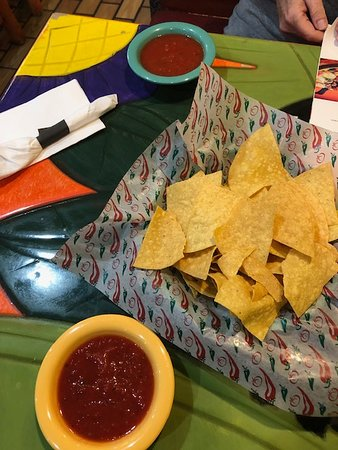 Puerto Bello Mexican Restaurant: Chips and Salsa