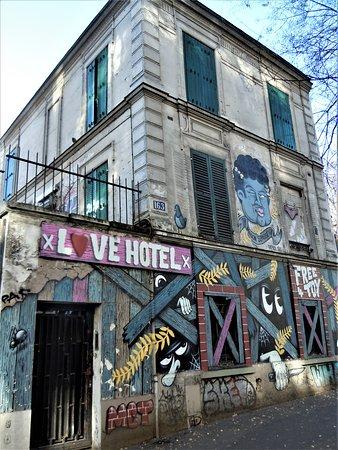 Fresque Love Hotel