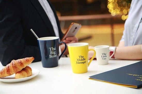 Golden Tulip Shanghai Rainbow: brand mug