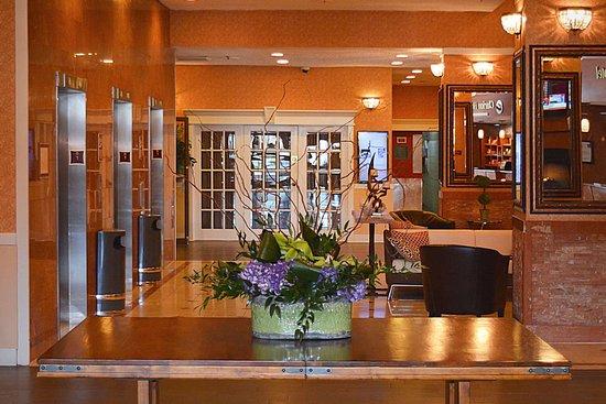 Clarion Hotel Philadelphia International Airport: Hotel lobby