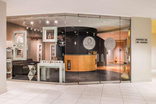 Clarion Hotel & Suites Winnipeg: Spa entrance