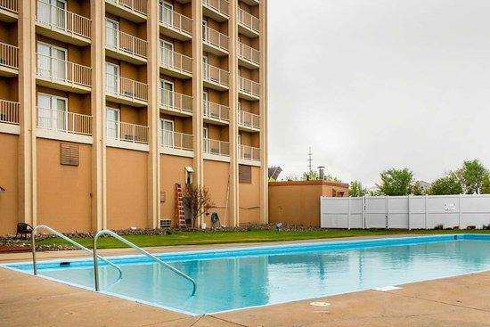 Essington, PA: Outdoor pool