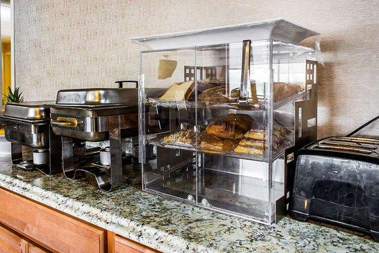 Essington, PA: Breakfast area