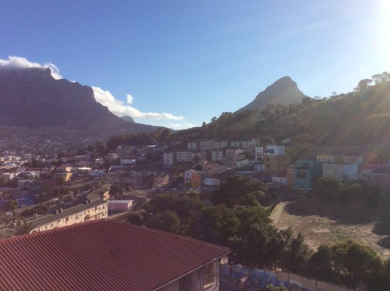 """Table Mountain, Lions Head, the famous """"table cloth"""" south Easter cloud."""