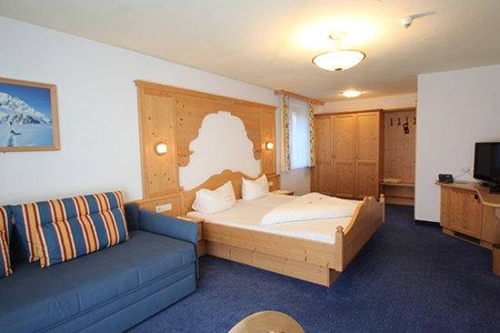 Hotel Garni Monte Bianco: klasse sauber und geräumig eingerichtet