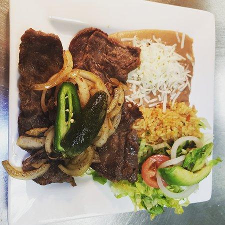 Tony's Tacos Downtown: Carne asada platter.