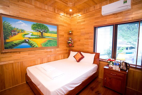 Phong Nha-Tuan Garden House: Contact us:  Email: gardenhouse1612@gmail.com Call: +84915380645 WhapsApp: +84984669074