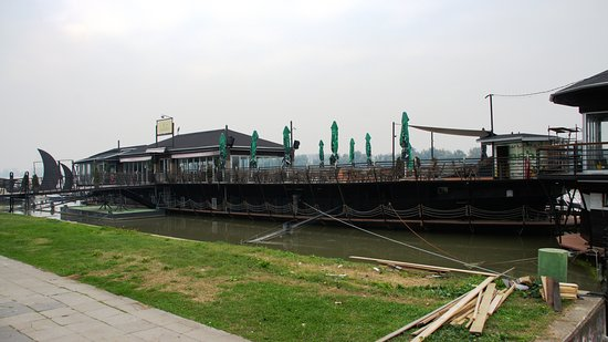 Zemunski kej: Набережная Дуная в Земуне