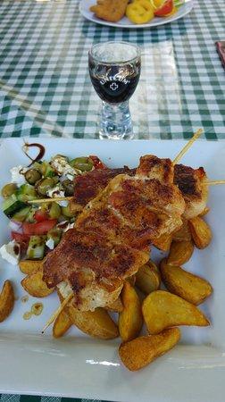 Molnar Csarda: еда