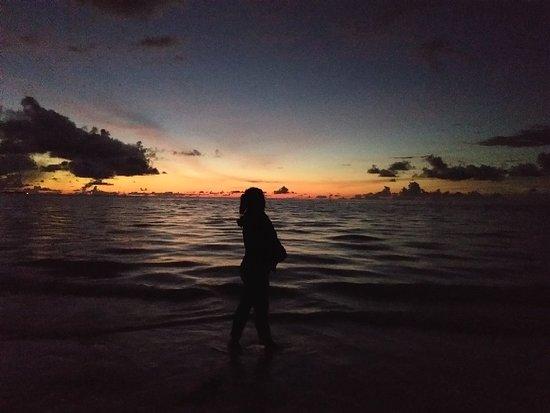 The best place di Kei - Maluku Tenggara untuk menikmati Sunset + dinobatkan sebagai Pasir putih terhalus di Asia oleh National Geographic 👍