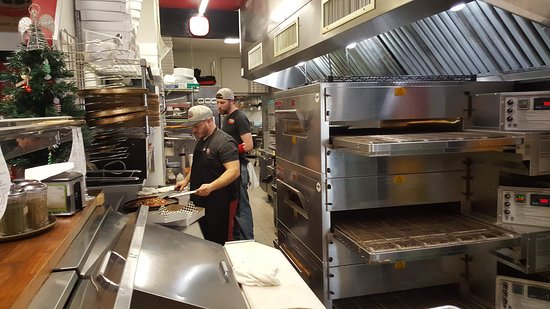 Willimantic, CT: kitchen