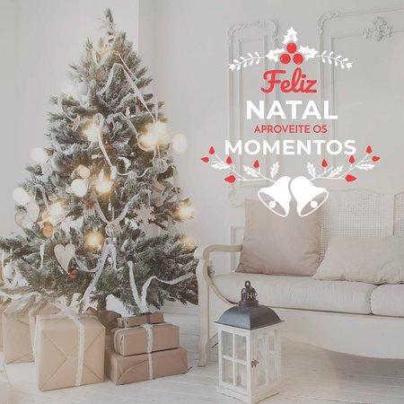 A Equipa da Confeitaria da Lapa deseja a todos os seus estimados Clientes e Amigos um Feliz Natal!
