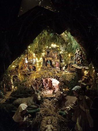 Vista dello spazio esterno con luci e decorazioni natalizie .. fantastico!!