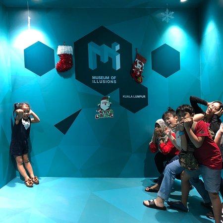Museum of Illusions: Museum of Illusions