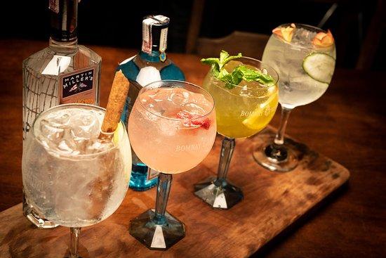 Firoco Drinks & Food: Gin Tônica ( GT Maçã e canela, GT Framboesa, GT chá verde e GT Rosa e pepino)