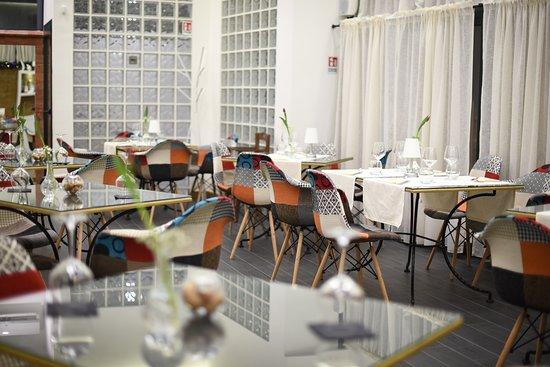 La nostra sala è un ambiente riservato, accogliente ed adatto a tutti i tipi di evento.