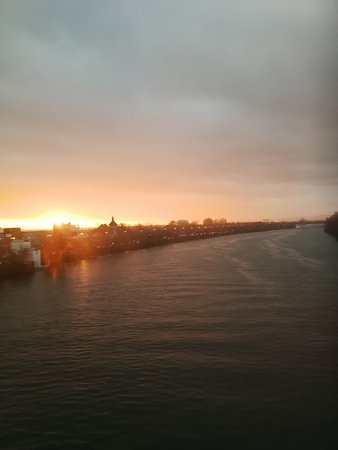Sonnenuntergang in Frankfurt am Main - Dezember 2018