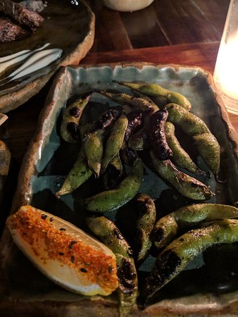 Tora México: Edamame appetizers