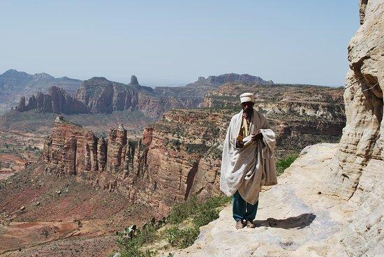 Tigray Region, Etiopía: Aba tesfaye - a monk at Gheralta