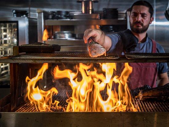 The H Orlando: Open kitchen