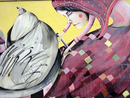Fresque Femme au Landeau