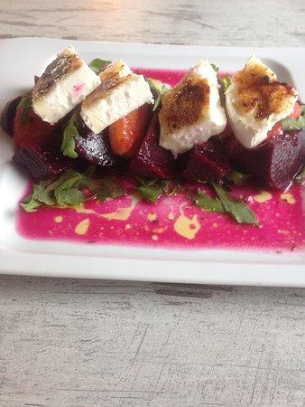 Elies & Dafnes: Παντζαροσαλάτα - Beetroot salad