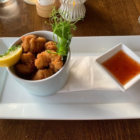 Squids Bar & Restaurant Photo