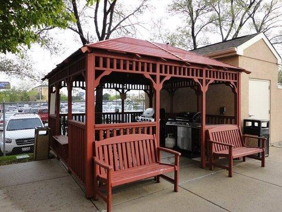 Schiller Park, IL: Property amenity
