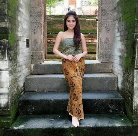 Central America: Balinese Fashion Show