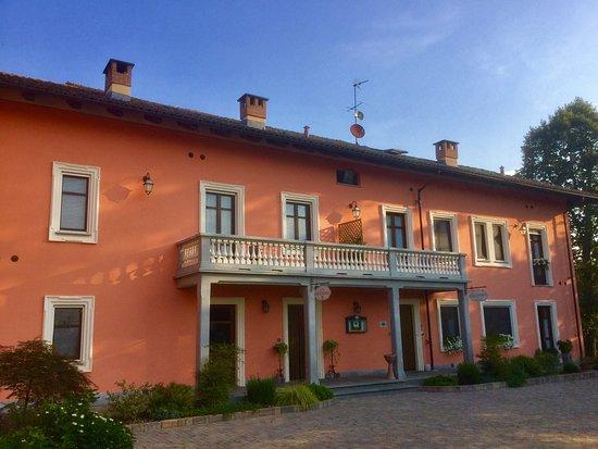 matrimoniale superior - Picture of La Ferte Restaurant and Suites, Asti - Tripadvisor
