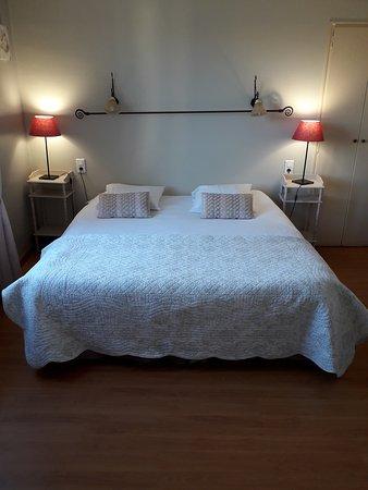 """Hôtel Les Terrasses by David et Louisa: Superbe chambre vu panoramique """"Le Bassin"""""""