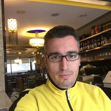 Vanillart Waffle & Coffee: Nice to place working here