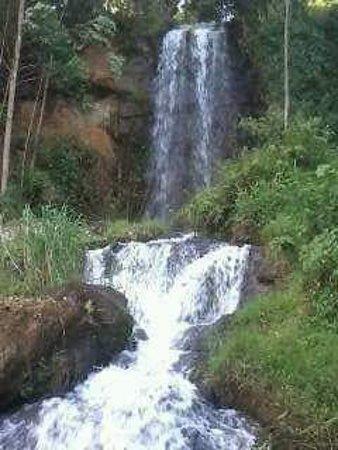 Embu, Kenia: WATER FALLS