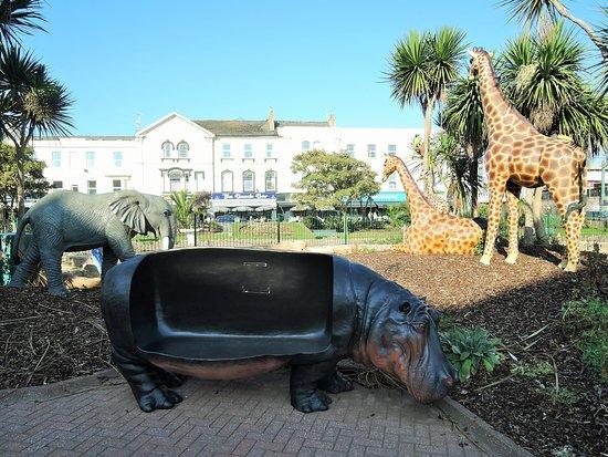 Dawlish, UK: Safari themed mini golf course