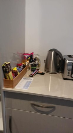 Beach Hotel: Kitchen has a toaster and kettle as well as small fridge.