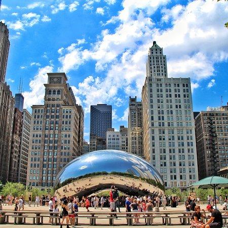 ¿Cuál es tu ciudad favorita de Estados Unidos? 😂 Hasta hace poco las mias eran Nueva York y Boston, pero cuando conocí #Chicago se puso de las primeras en la lista. 💕 Me encantan la naturaleza y las playas, pero si tengo que quedarme con alguna ciudad, ¡Chicago es una de las elegidas!