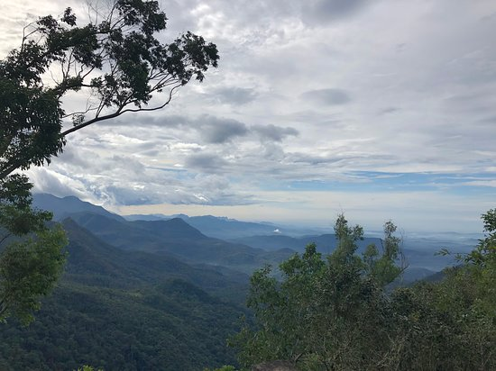 Ponmudi, Индия: View from the hotel play/camp fire area