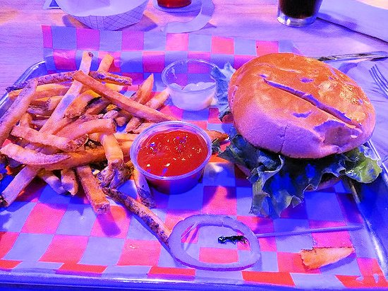 The Blue Note Grill: hamburger