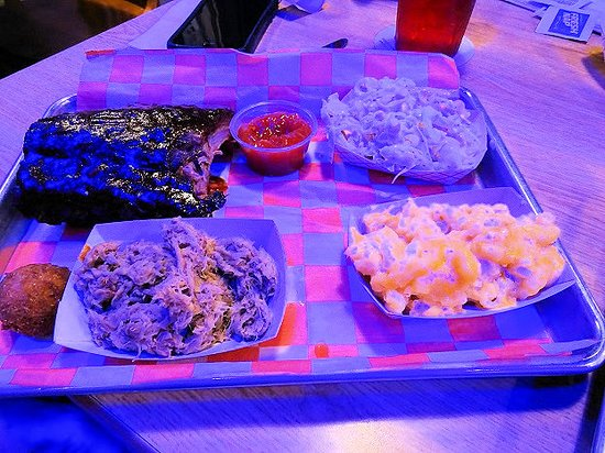 The Blue Note Grill: ribs/bbq plate