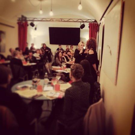 A cena tra Autori e Sognatori - con la scrittrice Sara Rattaro