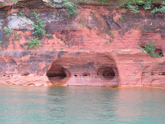 Cornucopia, WI: Mainland Sea Caves Boat Tour with Good Earth Outfitters