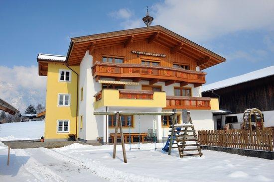 Waldschonau: Winteransicht Süd