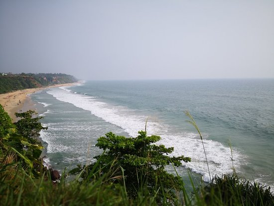 Varkala, Indija: Beautiful view of the beach from the cliff