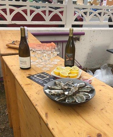 Chateauneuf-sur-Isere, France: Matinée huîtres