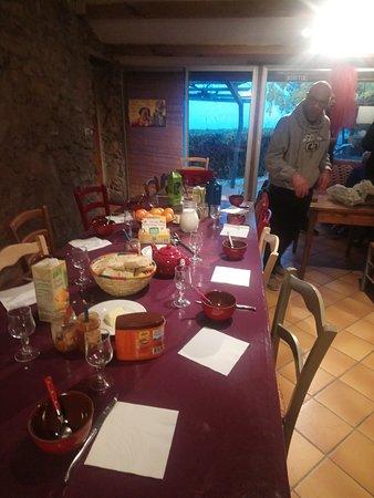 Tuchan, França: le petit dej