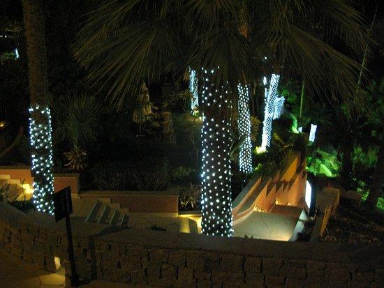 Sofitel Legend Old Cataract Aswan: PISCINE LA NUIT