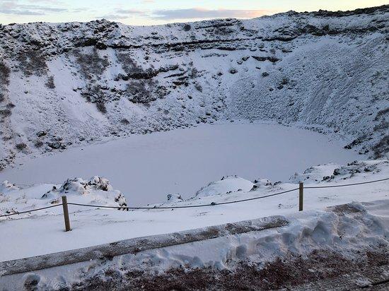 Cercle d'or, zone géothermique de Krisuvik et journée au Blue Lagoon au départ de Reykjavik : Kerid volcanic crater