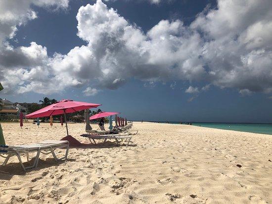 Eagle Beach 사진