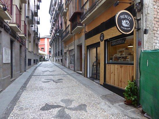 Nära Plaza Nueva
